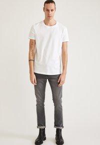 DeFacto - LONG FIT - Basic T-shirt - white - 1