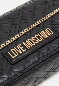 Love Moschino - BORSA - Sac bandoulière - black - 4