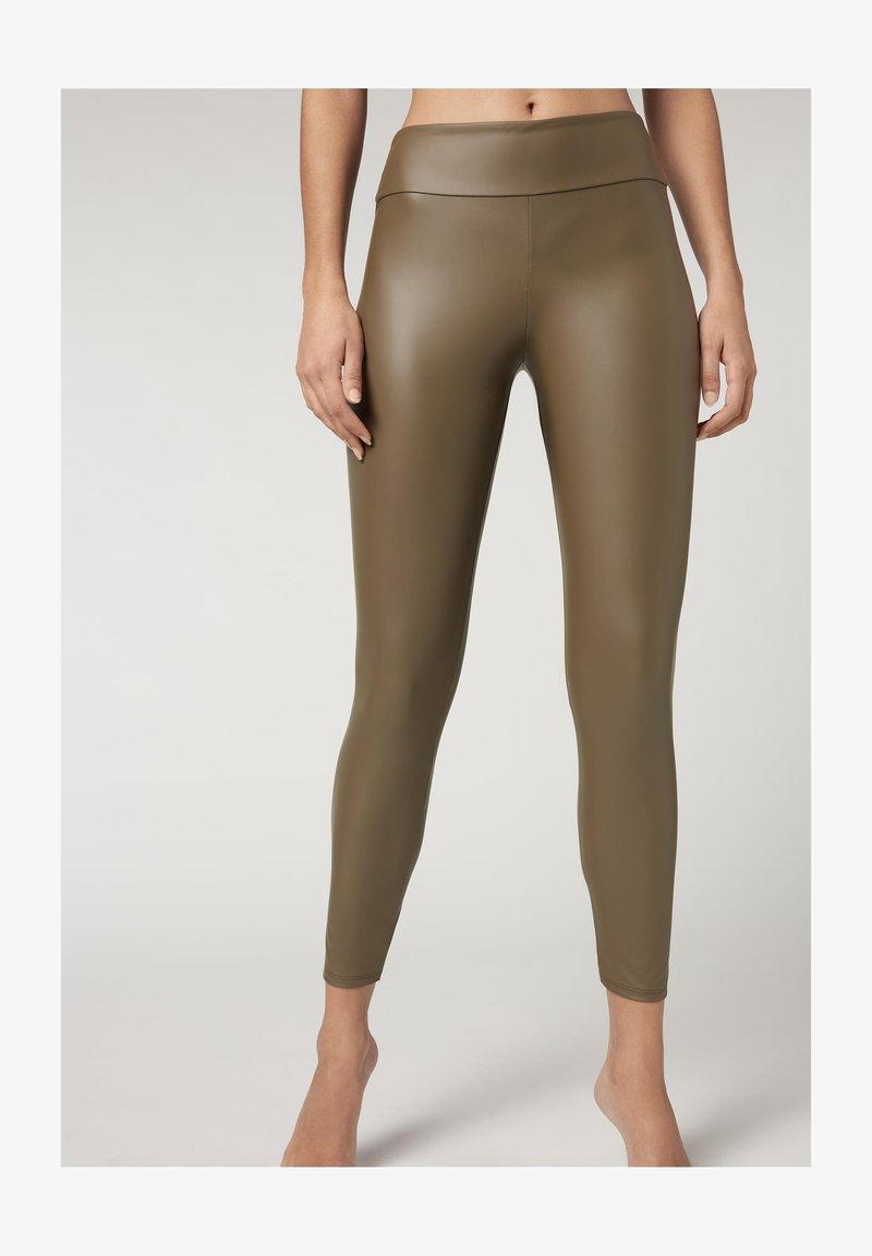 Calzedonia - MIT LEDER-EFFEKT - Leggings - Stockings - grun - dark olive green