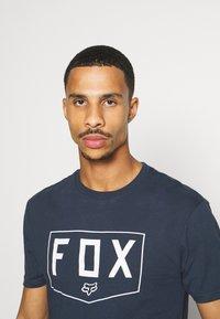 Fox Racing - SHIELD PREMIUM TEE - Print T-shirt - midnight - 3
