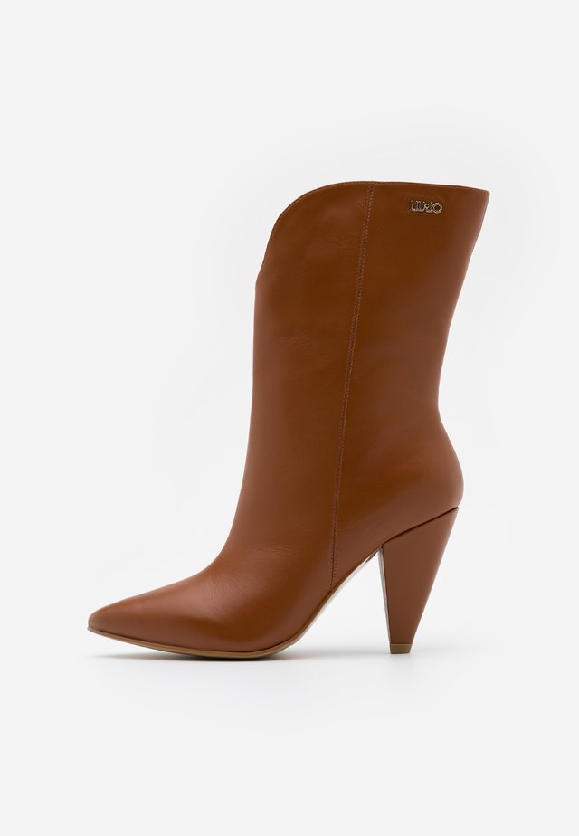 SUZIE - High heeled ankle boots - tan