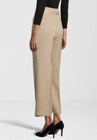 Cinque - HOSE CISOFIE - Trousers - beige - 2