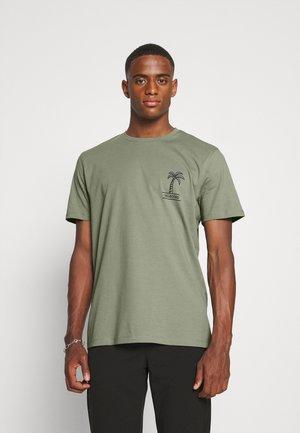 SLHRELAXEDMILO ONECK TEE - T-shirt print - sea spray/back