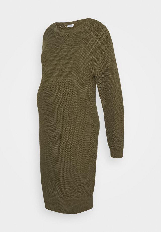 PCMSIMMY  - Pletené šaty - burnt olive