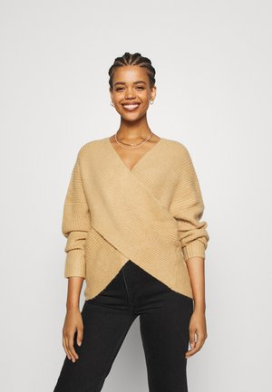 CROSS FRONT BARDOT - Sweter - tan