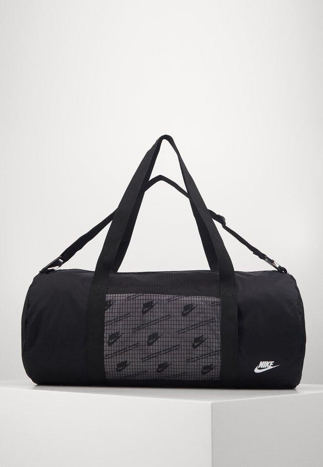 HERITAGE DUFFLE  - Sportovní taška - black/black/white