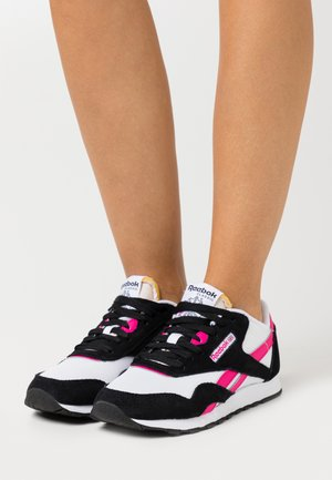 CLASSIC - Trainers - white/black/pink