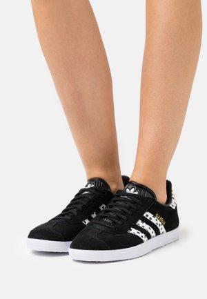GAZELLE  - Zapatillas - core black/core white/footwear white