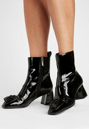 MACKENSIE - Classic ankle boots - schwarz