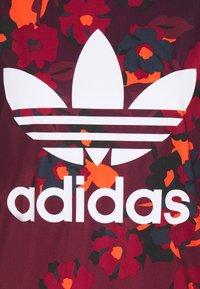 adidas Originals - GRAPHICS SPORTS INSPIRED REGULAR DRESS - Jerseykjoler - multicolor - 5