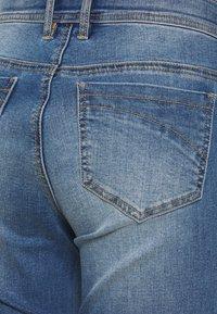 MAMALICIOUS - MARBELLA RIB CROPPED COMFY - Straight leg jeans - medium blue denim/washed - 2
