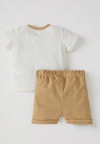 DeFacto - T-SHIRT SET - Shorts - ecru - 1