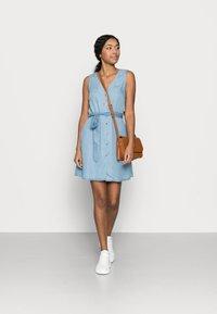 Vero Moda Petite - VMVIVIANA SHORT DRESS PETITE - Denim dress - light blue denim - 1
