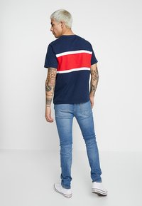 Levi's® - COLOR BLOCK TEE - Print T-shirt - dress blues/white - 2