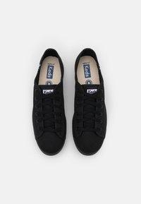 Keds - TRIPLE KICK - Sneakersy niskie - black - 4