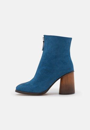 VEGAN LOURDES - Korte laarzen - blue