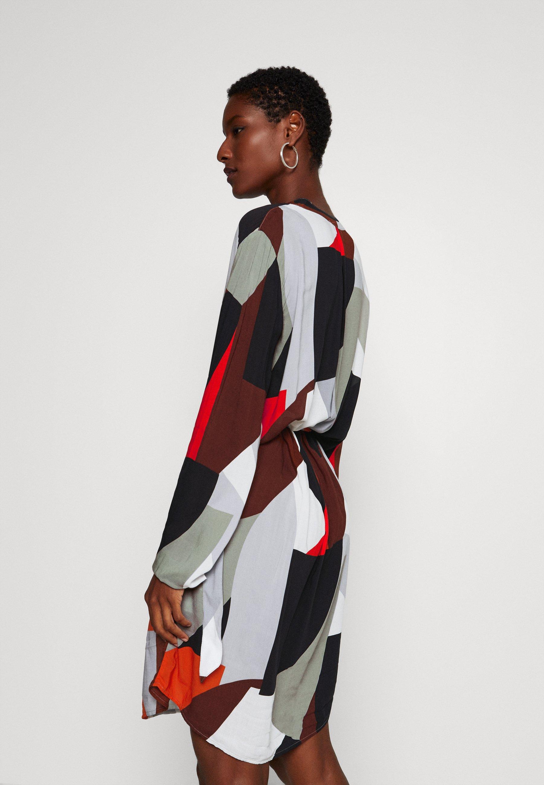 100% Original Cheapest Women's Clothing Cartoon UNGEFÜTTERT KURZ Shirt dress black/grey f9LtWMYE1 0rnH3cHpD