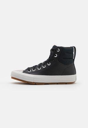 CHUCK TAYLOR ALL STAR BERKSHIRE UNISEX - Zapatillas altas - black/pale putty