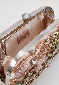 ALDO - OLIWIER - Clutch - rose gold - 4