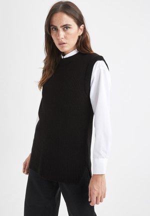 REGULAR FIT  - Pullover - black