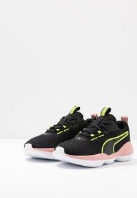 Puma - FLOURISH FS SHIFT - Gym- & träningskor - black/white - 2