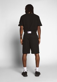 Champion Reverse Weave - MESH SHORTS - Shorts - black - 2