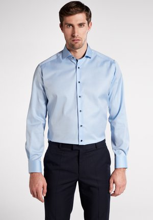 MODERN FIT - Formal shirt - light blue