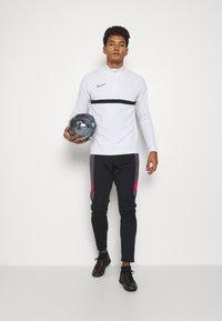 Nike Performance - ACADEMY DRIL - Funktionstrøjer - white/black - 1