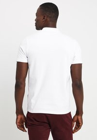 Selected Homme - SLHLUKE SLIM FIT - Pikeepaita - bright white - 2