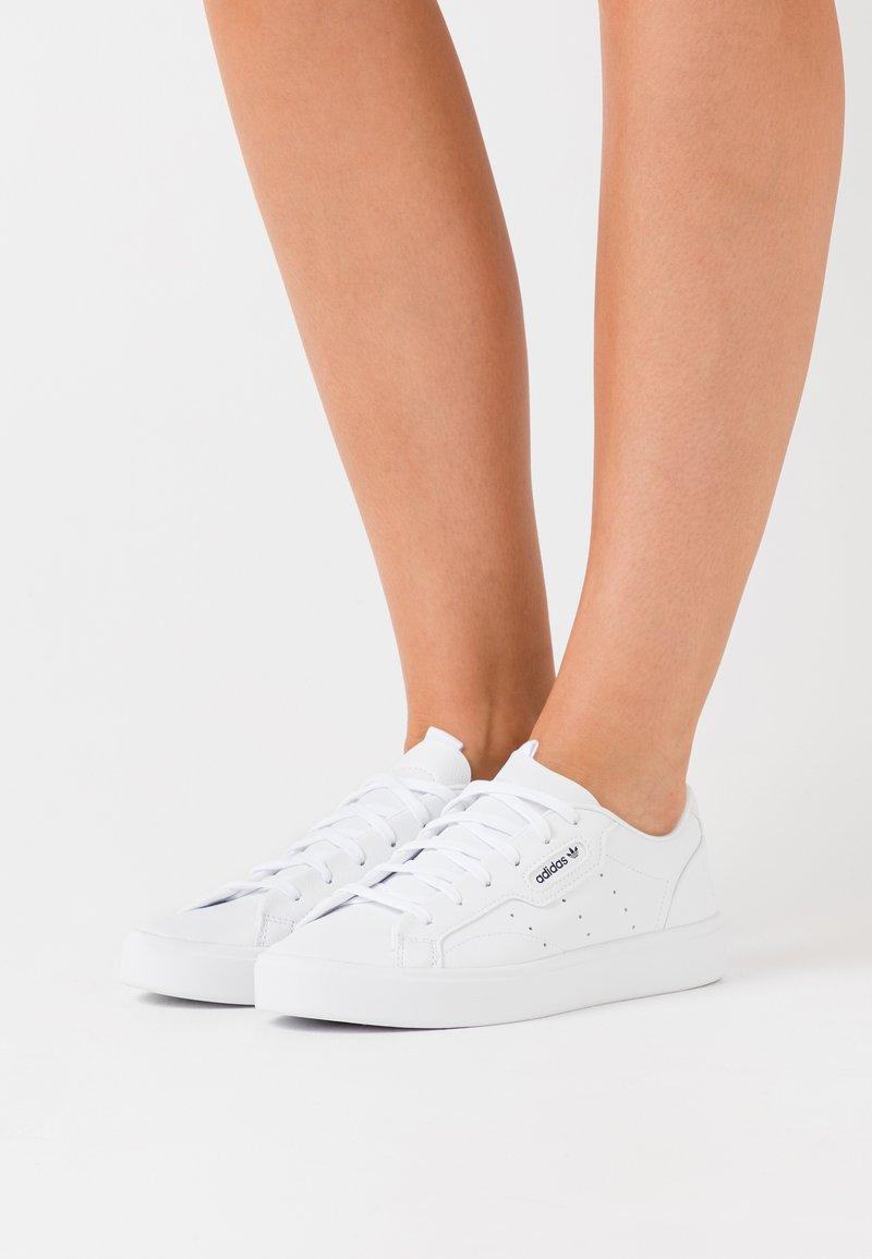 adidas Originals - SLEEK VEGAN - Trainers - footwear white/green/core black