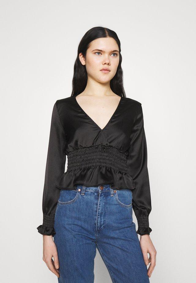SHIRRED WAIST - Bluzka z długim rękawem - black