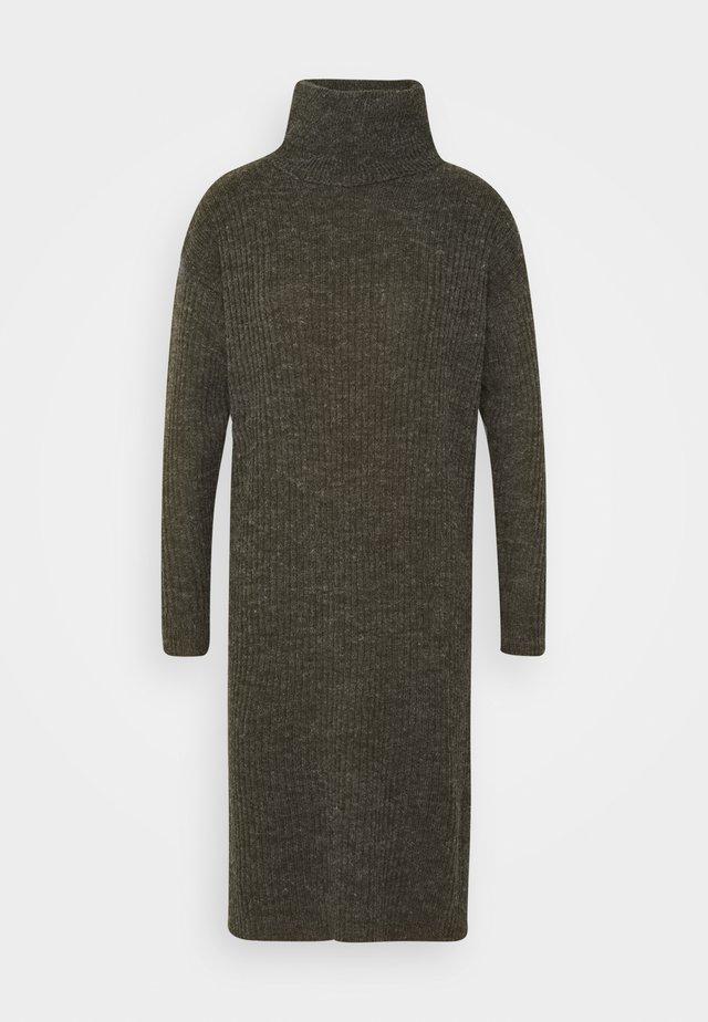 IHNOVO  - Jumper dress - beech