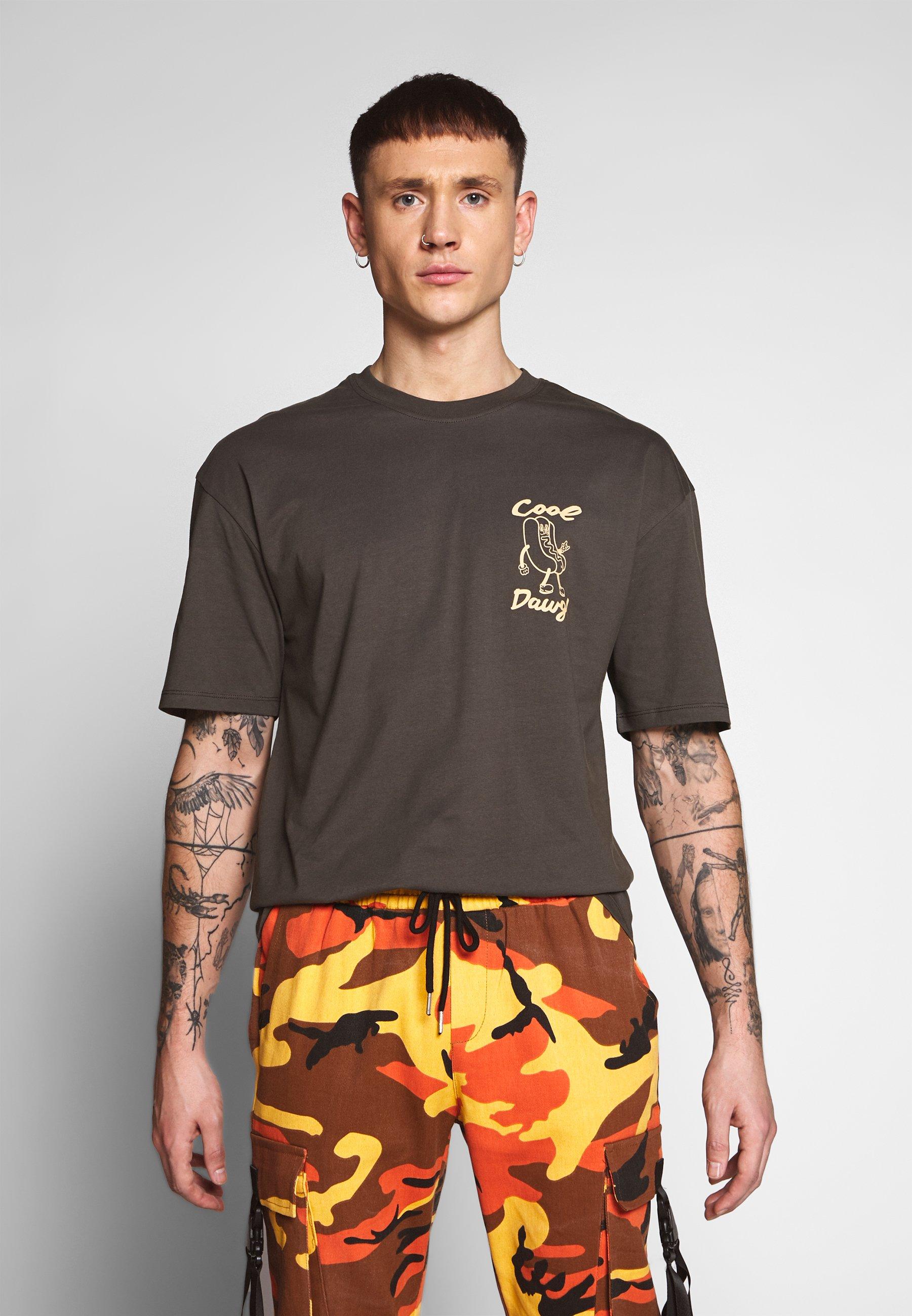Revival Tee COOL DAWG - Print T-shirt - brown PL9aM