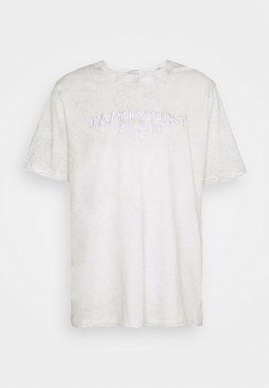 LOGO - Printtipaita - white