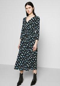 ONLY - ONLPELLA DRESS - Korte jurk - black/multi-colour - 3