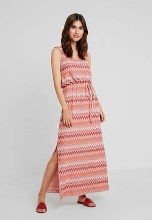 DRESS ZIGZAG PATTERN - Maxikjoler - burgundy/red