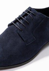 Vagabond - FRANCES - Lace-ups - dark blue - 2