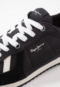 Pepe Jeans - TINKER JOGGER - Zapatillas - black - 5