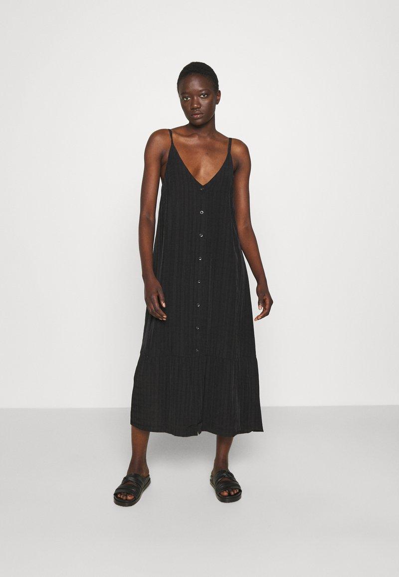 Holzweiler - SVINTEN DRESS - Robe d'été - black