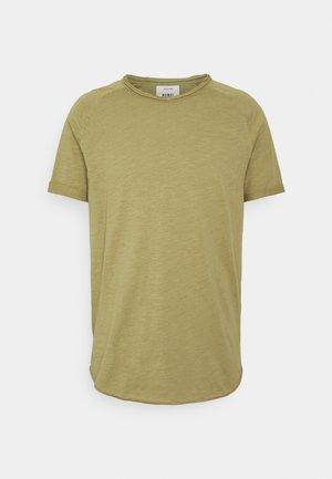 KAS TEE - T-shirt - bas - dried herb