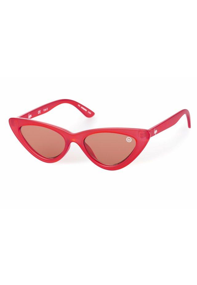 PLAIN - Occhiali da sole - red