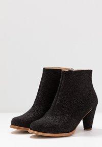 Neosens - BEBA - Korte laarzen - black - 4