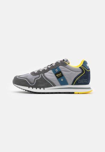 QUARTZ - Trainers - grey