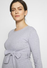 Missguided Maternity - SOFT SPLIT SIDE BELTED DRESS - Jerseykjoler - grey - 3