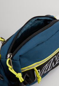 Vans - SURVEY CROSS BODY - Across body bag - stargazer - 4