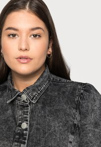 Glamorous Curve - PUFF LONG SLEEVES - Button-down blouse - black - 4