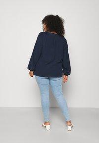 Levi's® Plus - MILE HIGH - Jeans Skinny Fit - naples shine - 2
