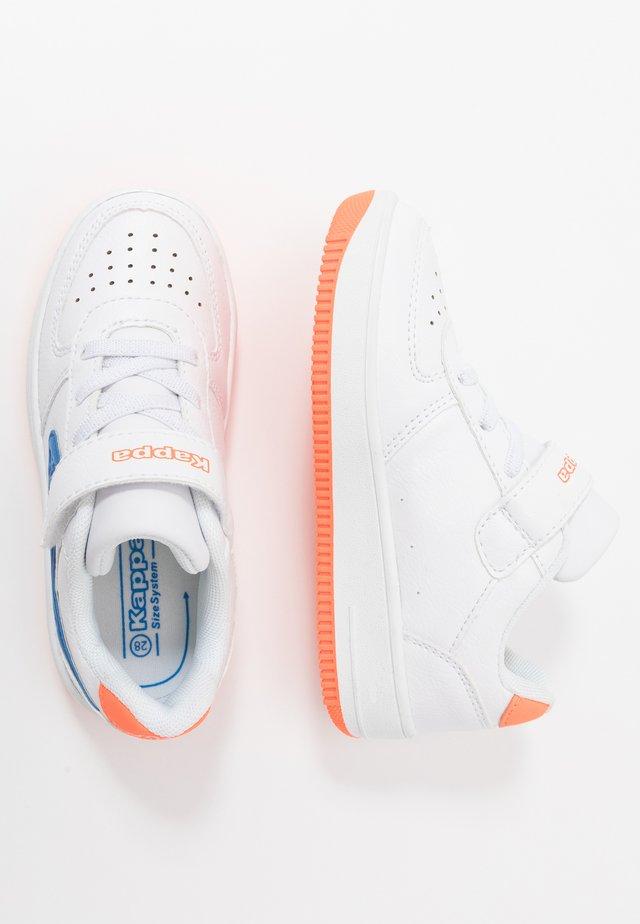 BASH - Chaussures d'entraînement et de fitness - white/blue