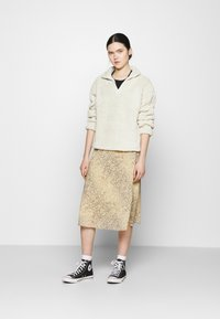 Nly by Nelly - HALF ZIP - Fleece jumper - offwhite turtledove - 1