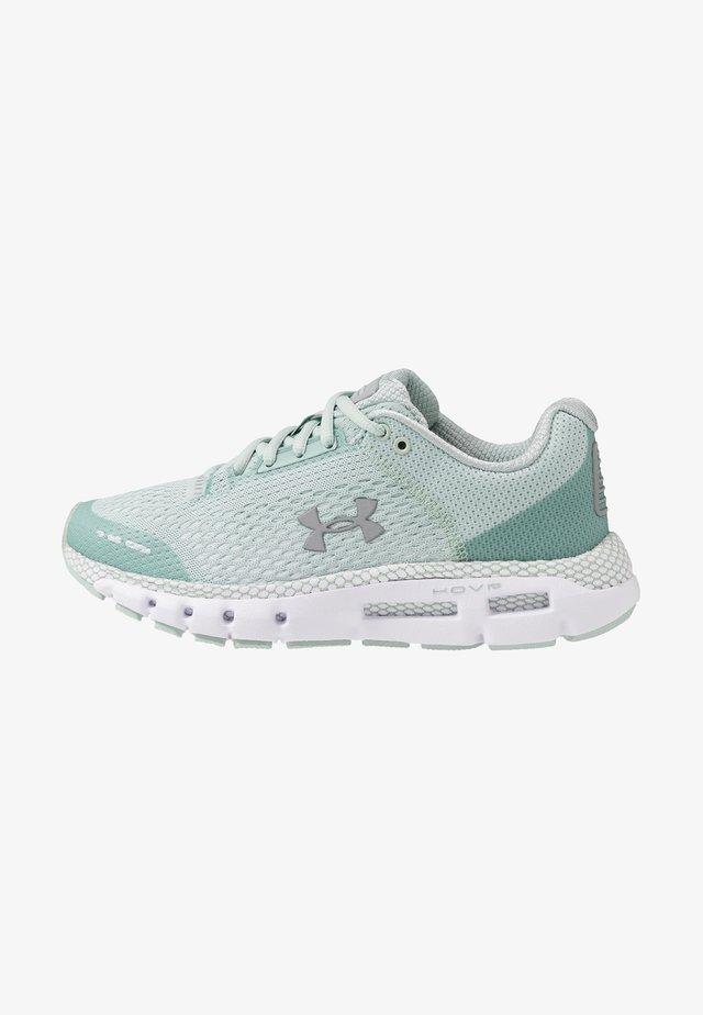 HOVR INFINITE - Neutrální běžecké boty - green white